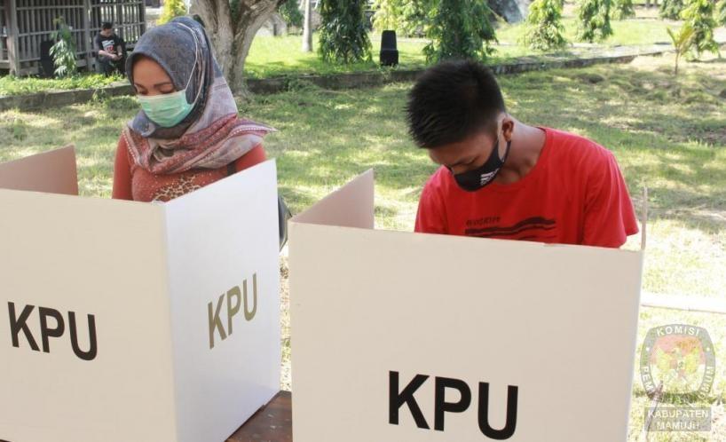 Ingat Pemilih Dilarang Membawa Gadget Dalam Bilik TPS