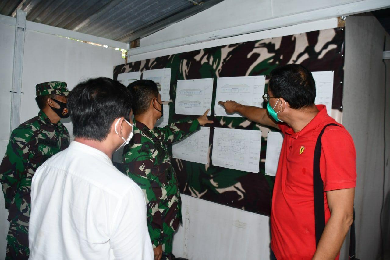 Tim Dalproggar Srenad Meninjau Pembangunan Rumah di Korem 142/Tatag