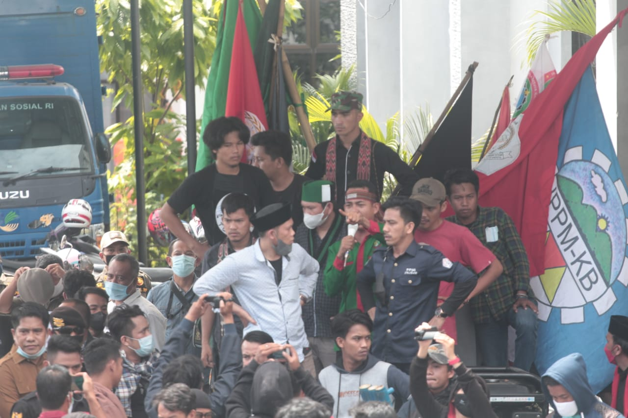 Mengaku Salah, Gubernur Diminta Proses Pencopotan Kadispora Sulbar